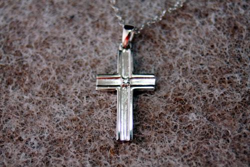 ネックレス ファッションジュエリー クロス(ダイヤモンド〔ダイア〕付き) ネックレス(SV925)